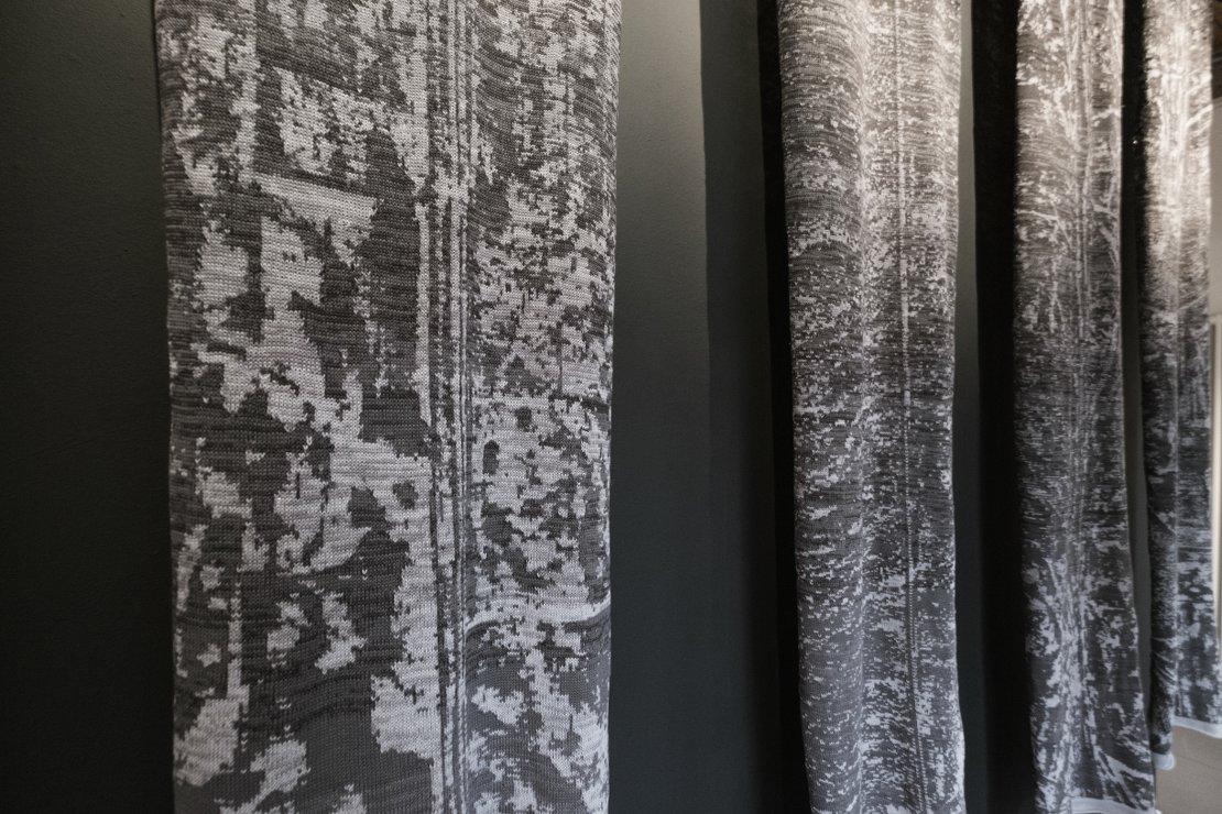 Soft Borders (Egypt - Israel / Turkey - Syria / USA - Mexico / Marocco - Spain / Hungary - Serbia), 5 pieces 65 x 250 cm, knitted wool, 2015